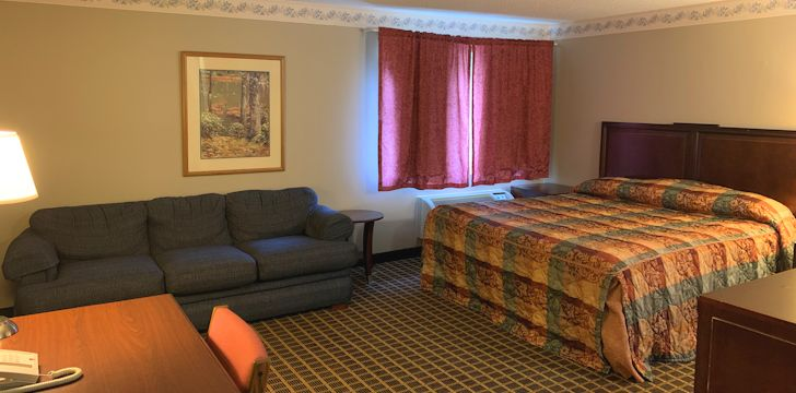 country-inn-deerwood-rooms-ekn-1